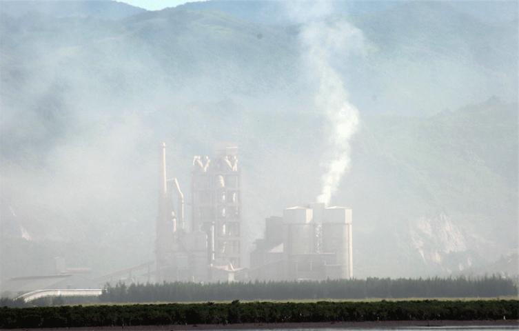 Bụi xi măng tác động xấu đến sức khỏe của con người và môi trường!