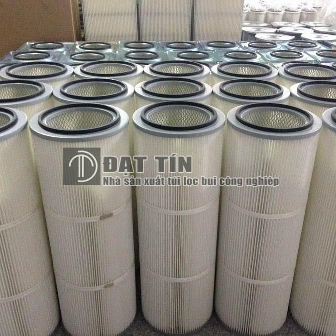 Ống lọc Cartridge Polyester cho nhà máy cơ khí